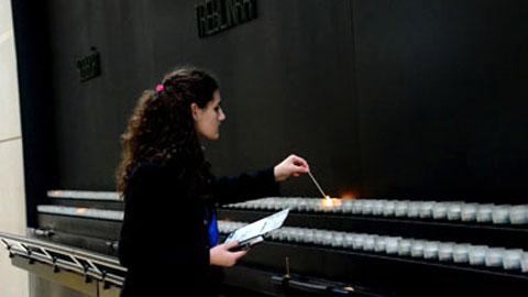 holocaust-remembrance-380